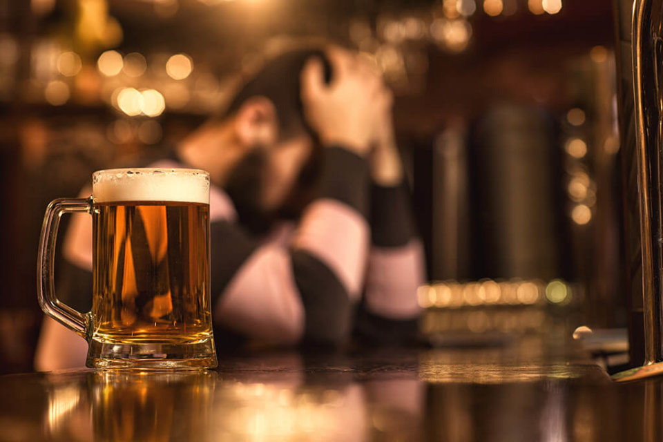 How can alcohol make anxiety worse?